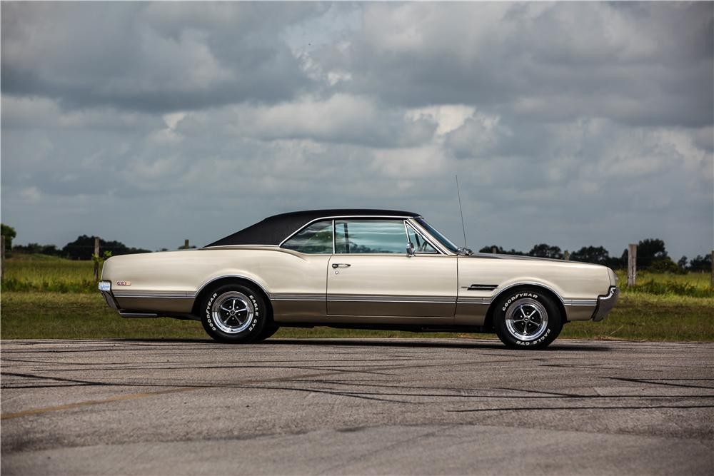 1966 OLDSMOBILE 442 2 DOOR HARDTOP - Side Profile - 174673