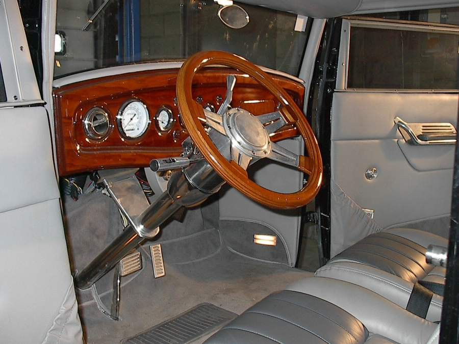1931 FORD CUSTOM VICKY - Interior - 174680