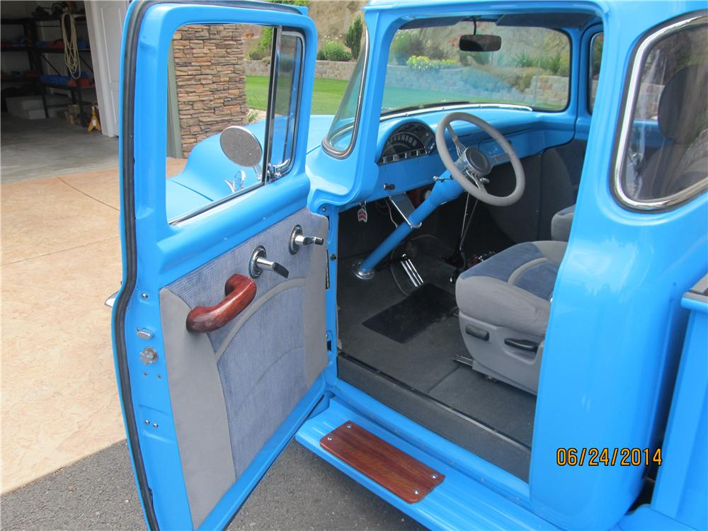 1956 FORD F-100 CUSTOM PICKUP - Interior - 174683