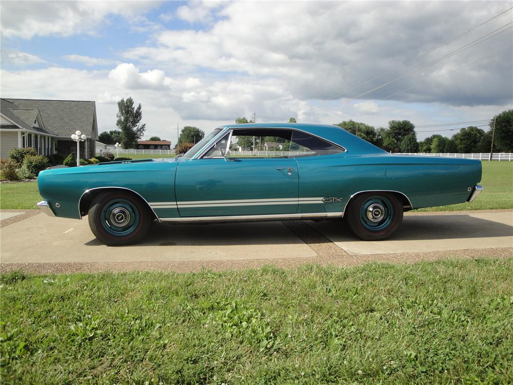 1968 PLYMOUTH GTX 2 DOOR HARDTOP - Side Profile - 174703