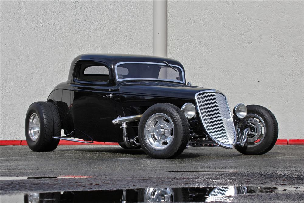 1934 FORD 3 WINDOW CUSTOM COUPE - Front 3/4 - 174717