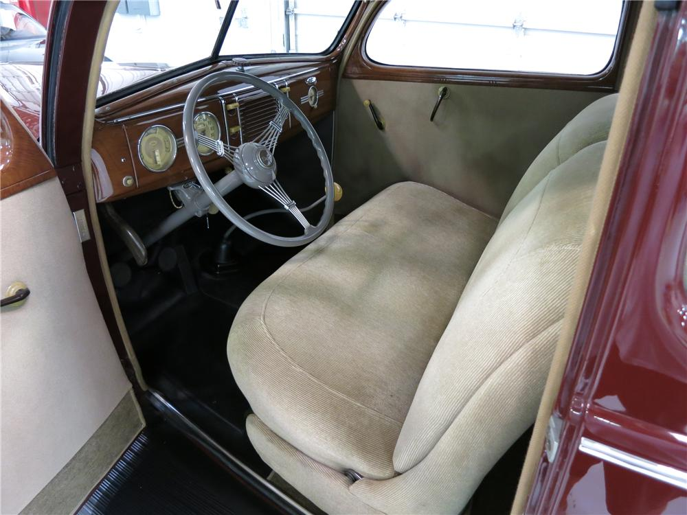 1939 FORD DELUXE 2 DOOR SEDAN - Interior - 174724