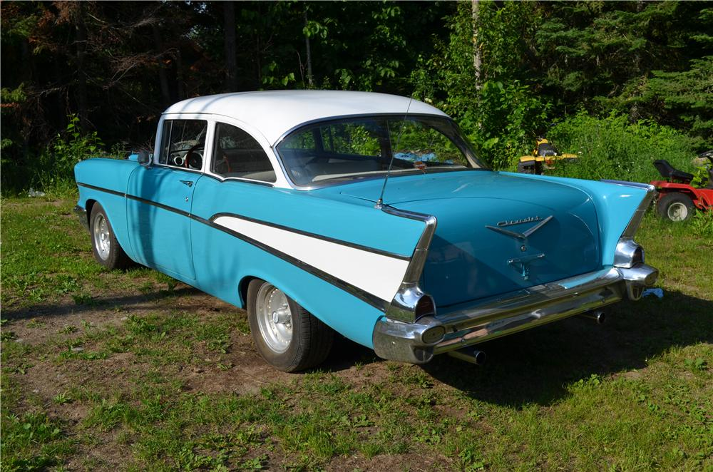 1957 CHEVROLET 210 CUSTOM 2 DOOR POST - Rear 3/4 - 174730