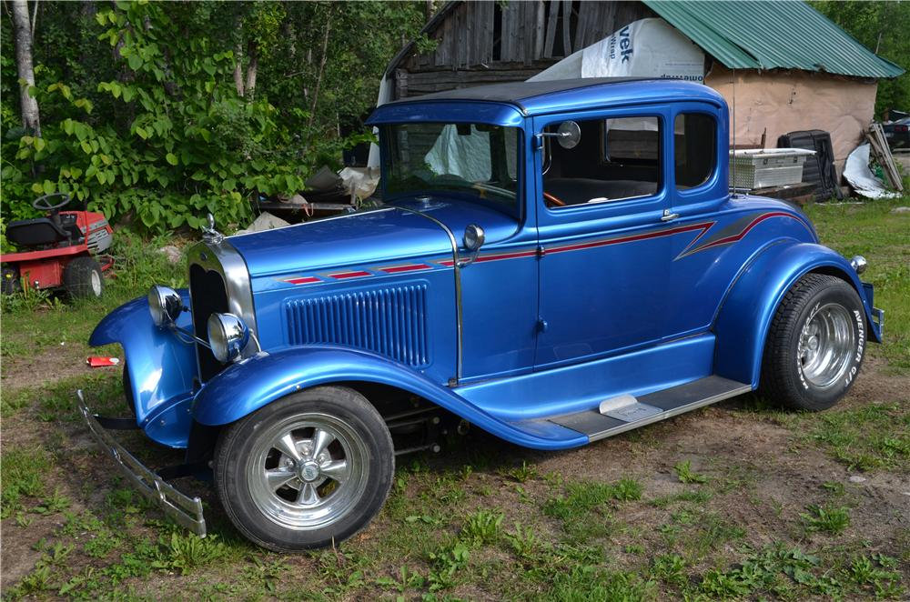 1931 FORD MODEL A CUSTOM COUPE - Front 3/4 - 174732