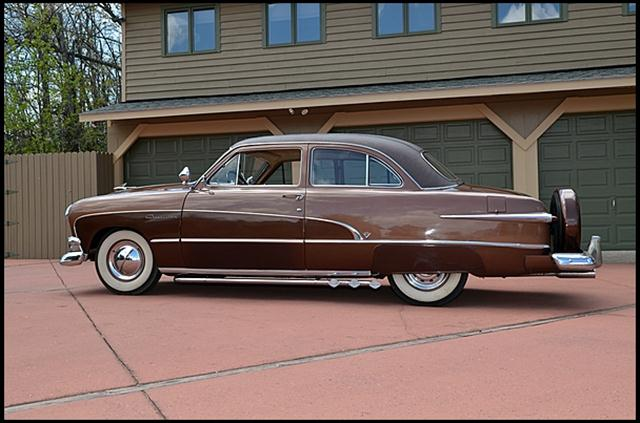 1951 FORD CRESTLINER 2 DOOR COUPE - Side Profile - 174748