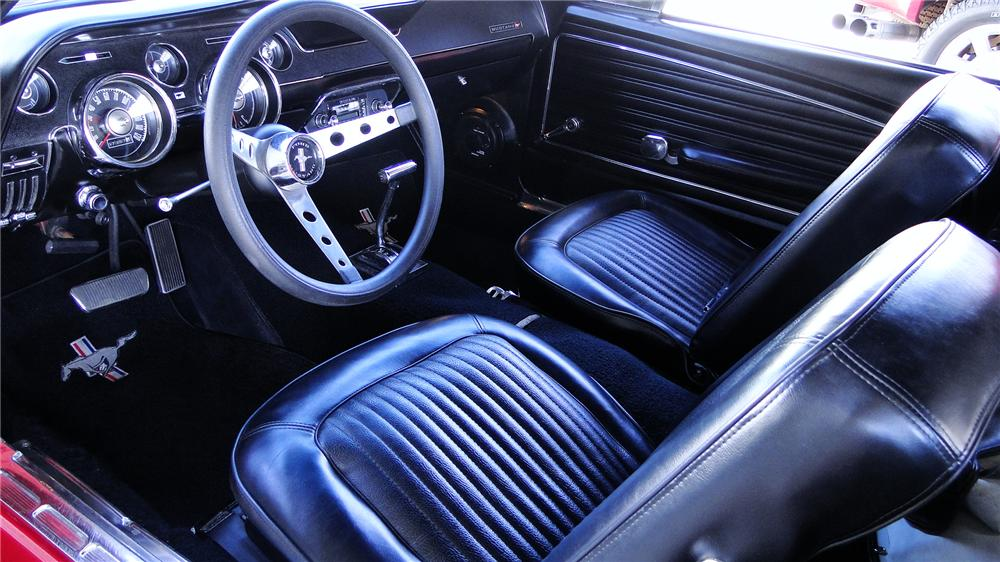 1968 FORD MUSTANG CONVERTIBLE - Interior - 174751