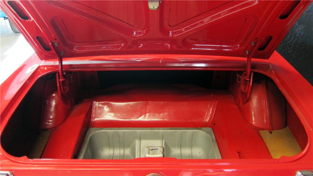 1999 SPECIAL CONSTRUCTION MUSTANG TRAILER - Interior - 174756