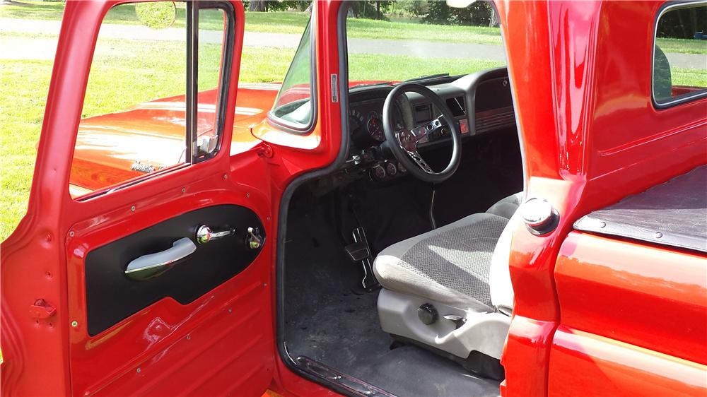 1961 CHEVROLET C-10 CUSTOM PICKUP - Interior - 174784