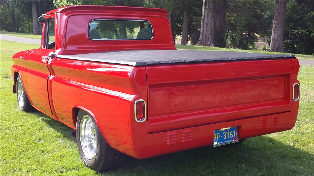 1961 CHEVROLET C-10 CUSTOM PICKUP - Rear 3/4 - 174784