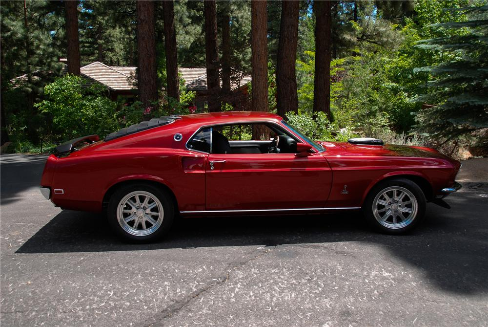 1969 FORD MUSTANG CUSTOM FASTBACK - Side Profile - 174848