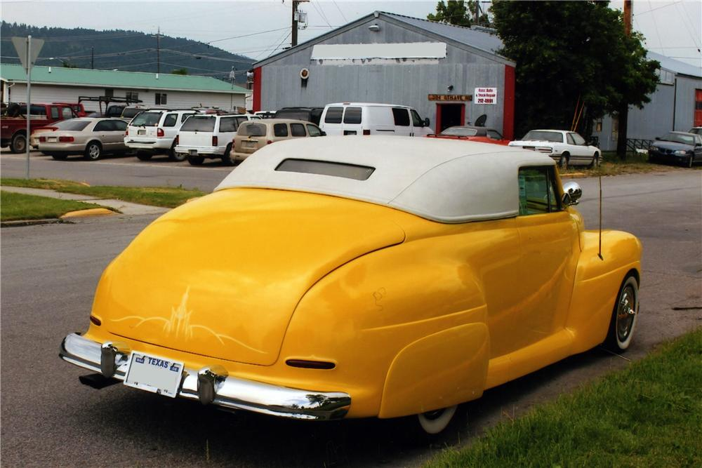 1941 FORD CUSTOM CONVERTIBLE - Rear 3/4 - 175135