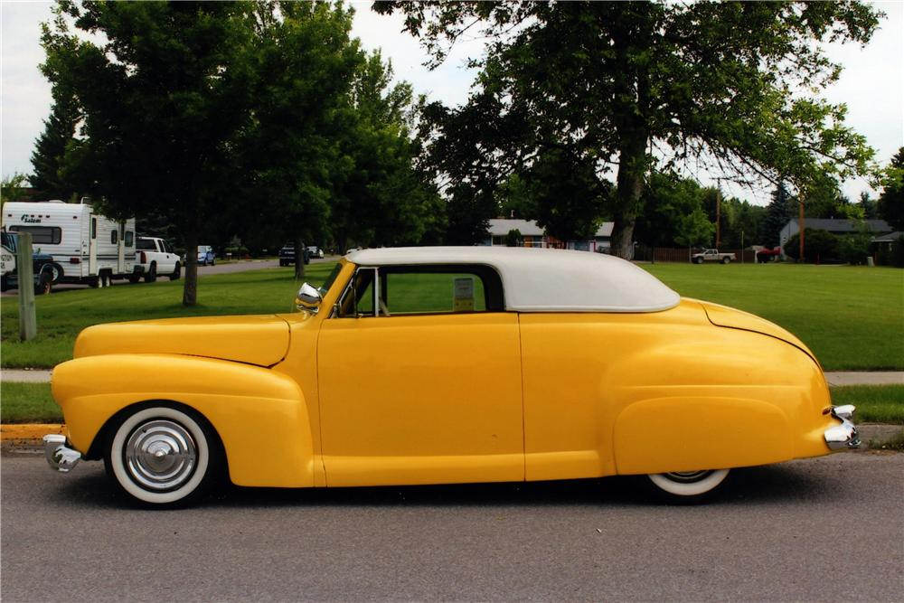 1941 FORD CUSTOM CONVERTIBLE - Side Profile - 175135