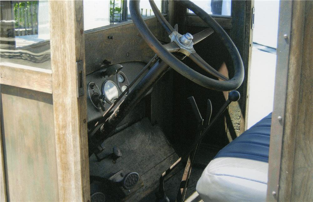 1926 CHEVROLET 1 TON PICKUP - Interior - 175163