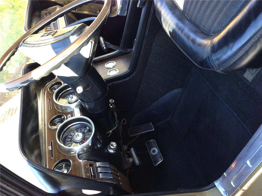 1968 SHELBY GT500 FASTBACK - Interior - 176885