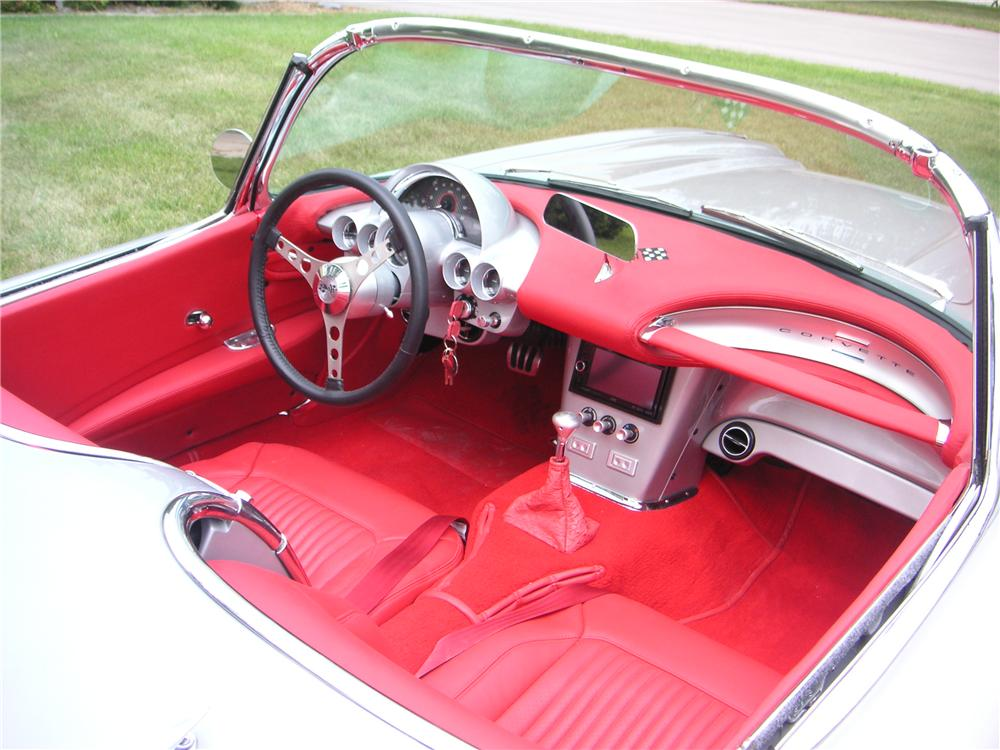 1960 CHEVROLET CORVETTE CUSTOM CONVERTIBLE - Interior - 176908