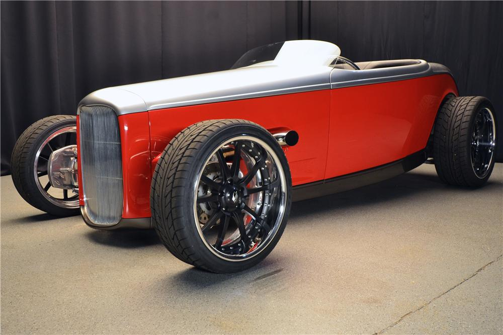 1932 FORD CUSTOM ROADSTER - Front 3/4 - 176934