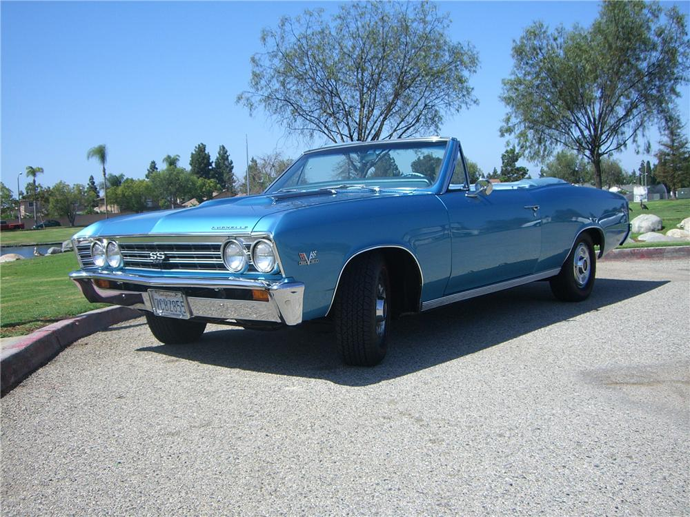 1967 CHEVROLET CHEVELLE SS 396 CONVERTIBLE - Front 3/4 - 176948