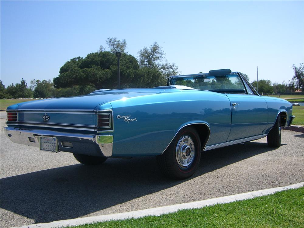 1967 CHEVROLET CHEVELLE SS 396 CONVERTIBLE - Rear 3/4 - 176948