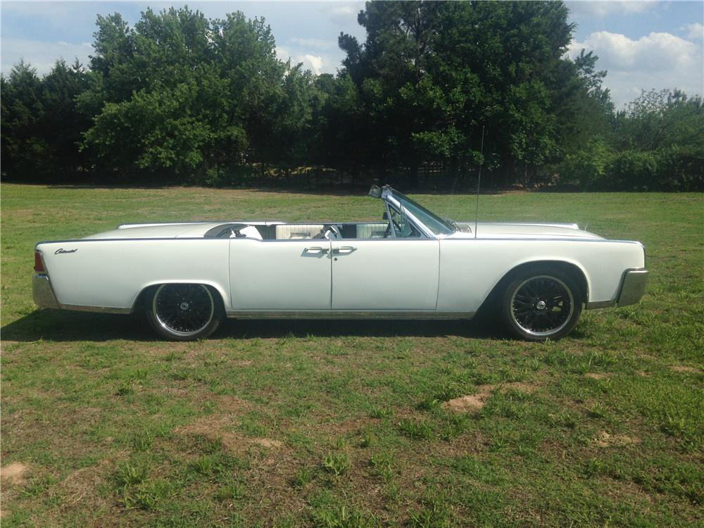 1964 LINCOLN CONTINENTAL CONVERTIBLE - Side Profile - 176992