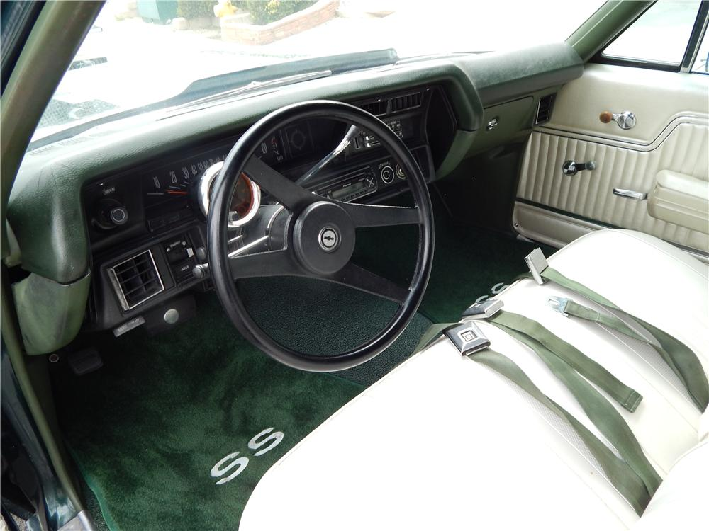 1972 CHEVROLET CHEVELLE CUSTOM STATION WAGON - Interior - 177017