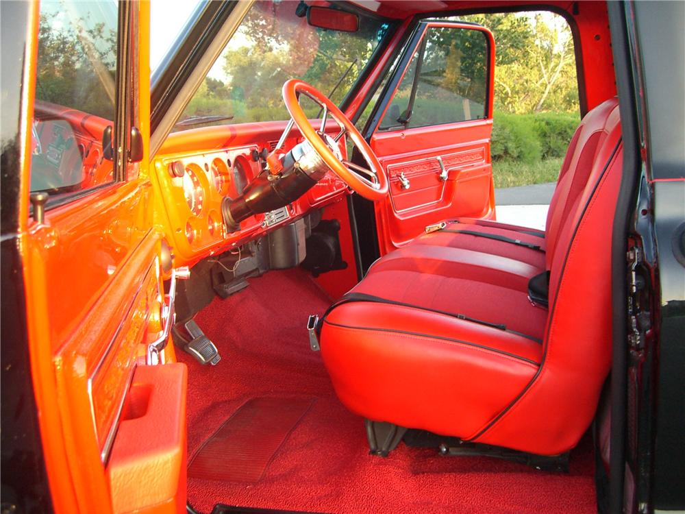 1972 CHEVROLET C-20 CUSTOM PICKUP - Interior - 177049