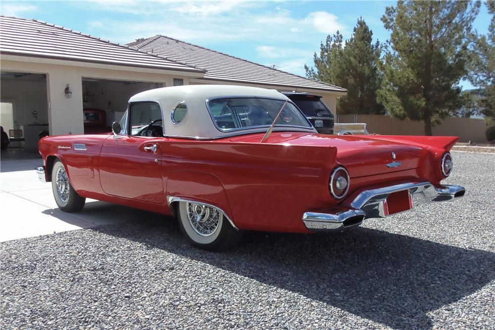 1957 FORD THUNDERBIRD 'E' CONVERTIBLE - Rear 3/4 - 177095