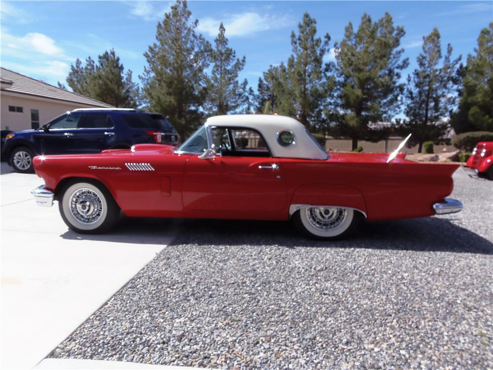 1957 FORD THUNDERBIRD 'E' CONVERTIBLE - Side Profile - 177095