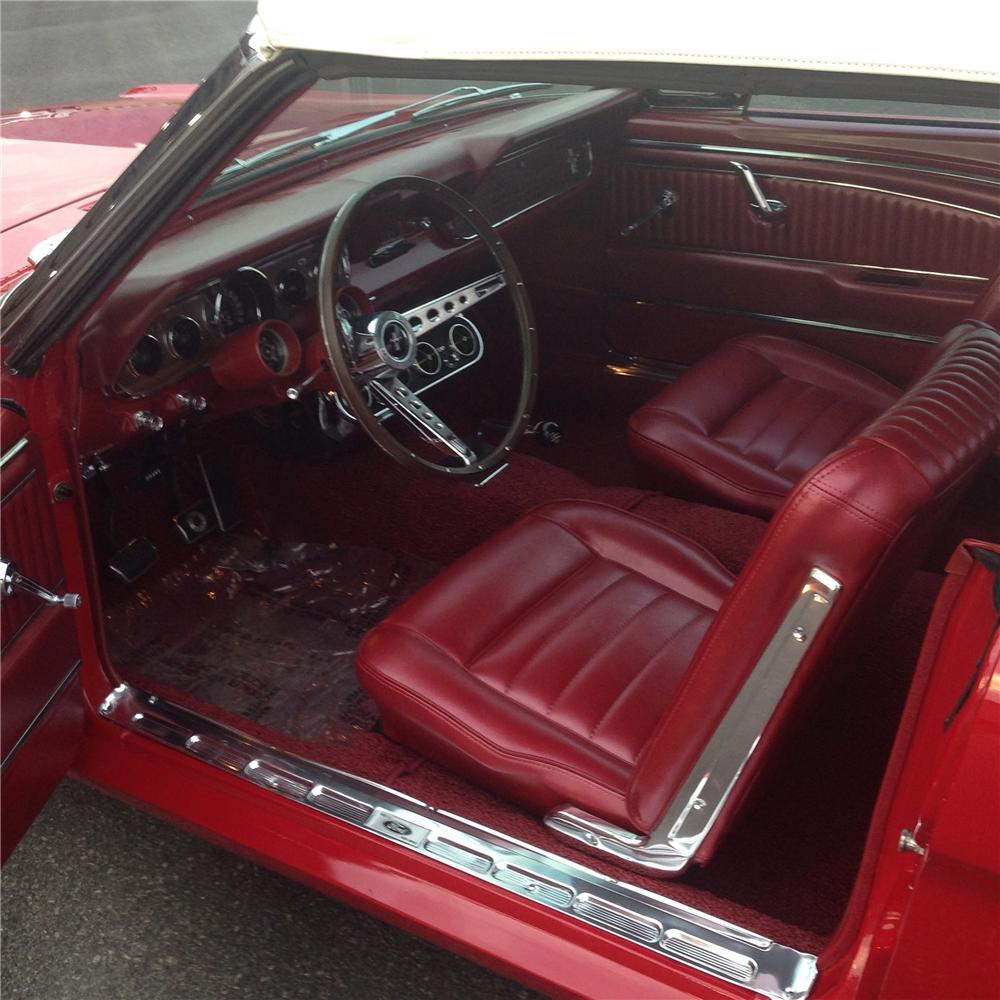 1966 FORD MUSTANG GT CONVERTIBLE - Interior - 177100