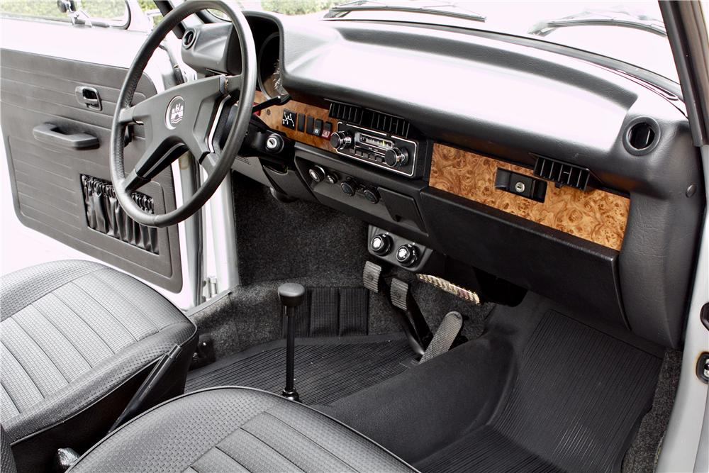 1979 VOLKSWAGEN BEETLE CONVERTIBLE - Interior - 177102