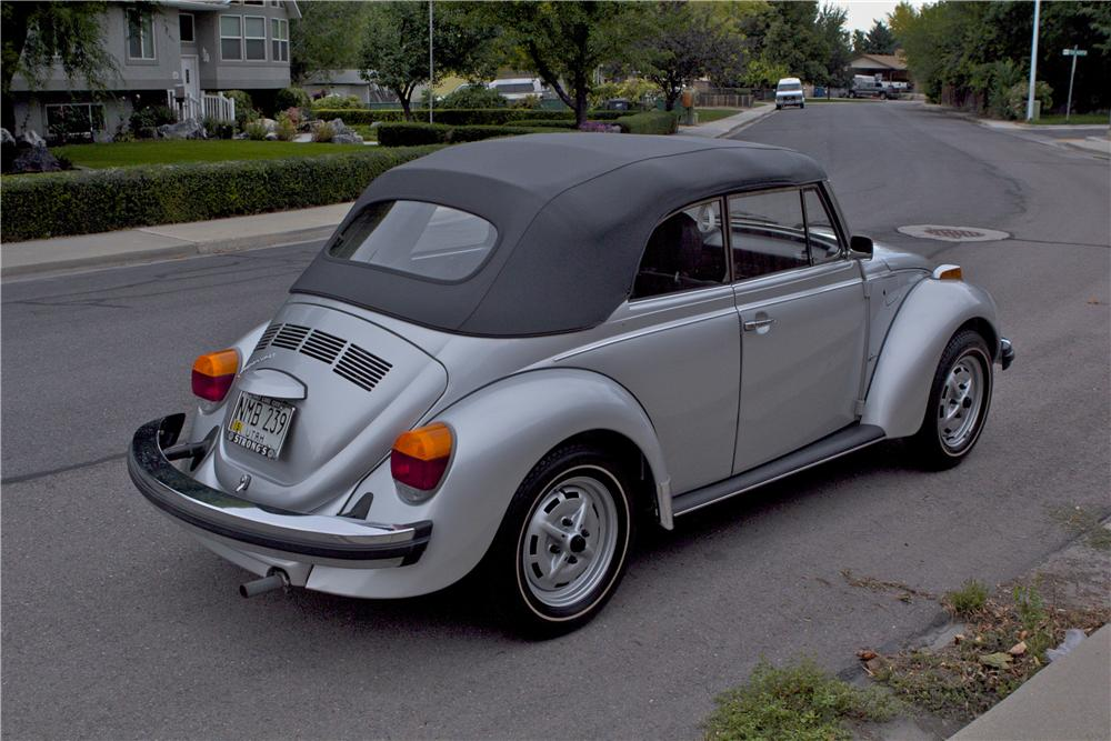 1979 VOLKSWAGEN BEETLE CONVERTIBLE - Rear 3/4 - 177102