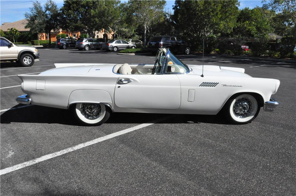 1957 FORD THUNDERBIRD CONVERTIBLE - Side Profile - 177189