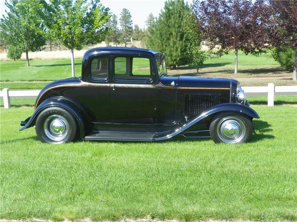 1932 FORD 5 WINDOW CUSTOM 2 DOOR COUPE - Side Profile - 177194