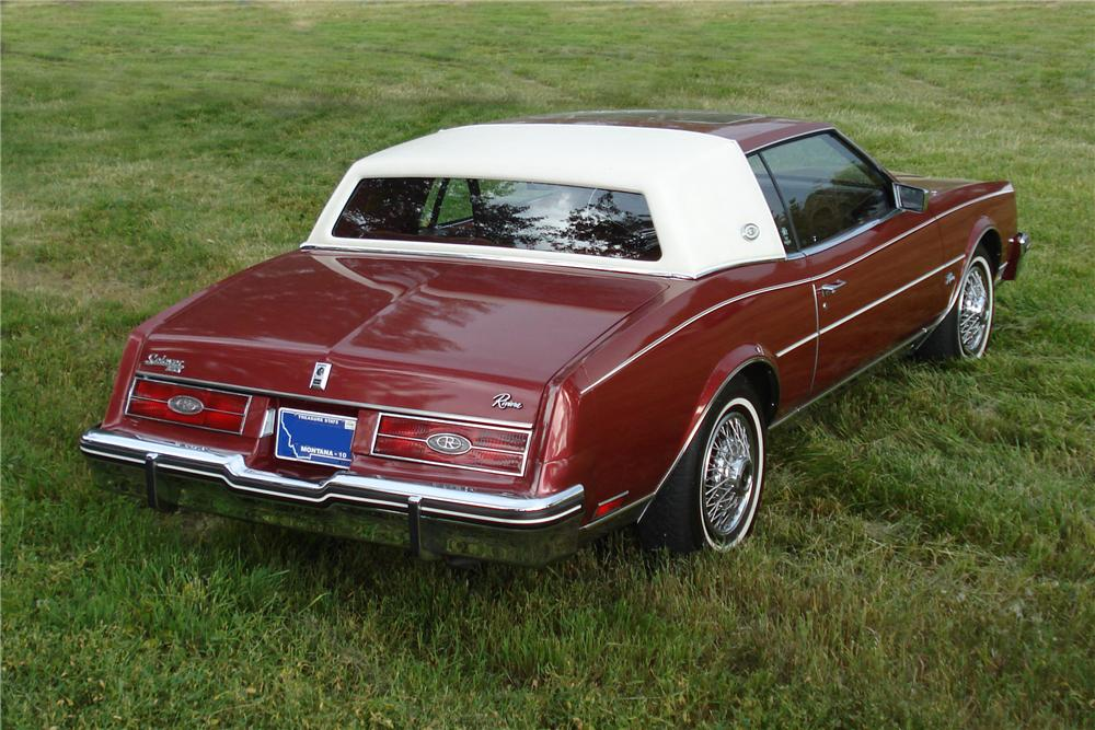 1984 BUICK RIVIERA 2 DOOR COUPE - Rear 3/4 - 177203