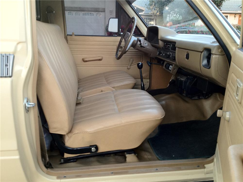 1981 TOYOTA PICKUP - Interior - 177233