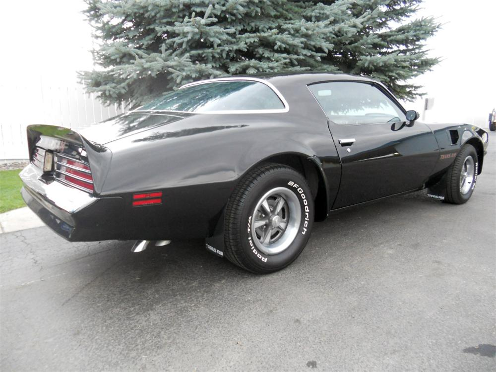 1976 PONTIAC FIREBIRD TRANS AM 2 DOOR COUPE - Rear 3/4 - 177236