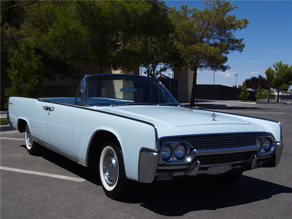 1961 LINCOLN CONTINENTAL 4 DOOR CONVERTIBLE - Front 3/4 - 177277