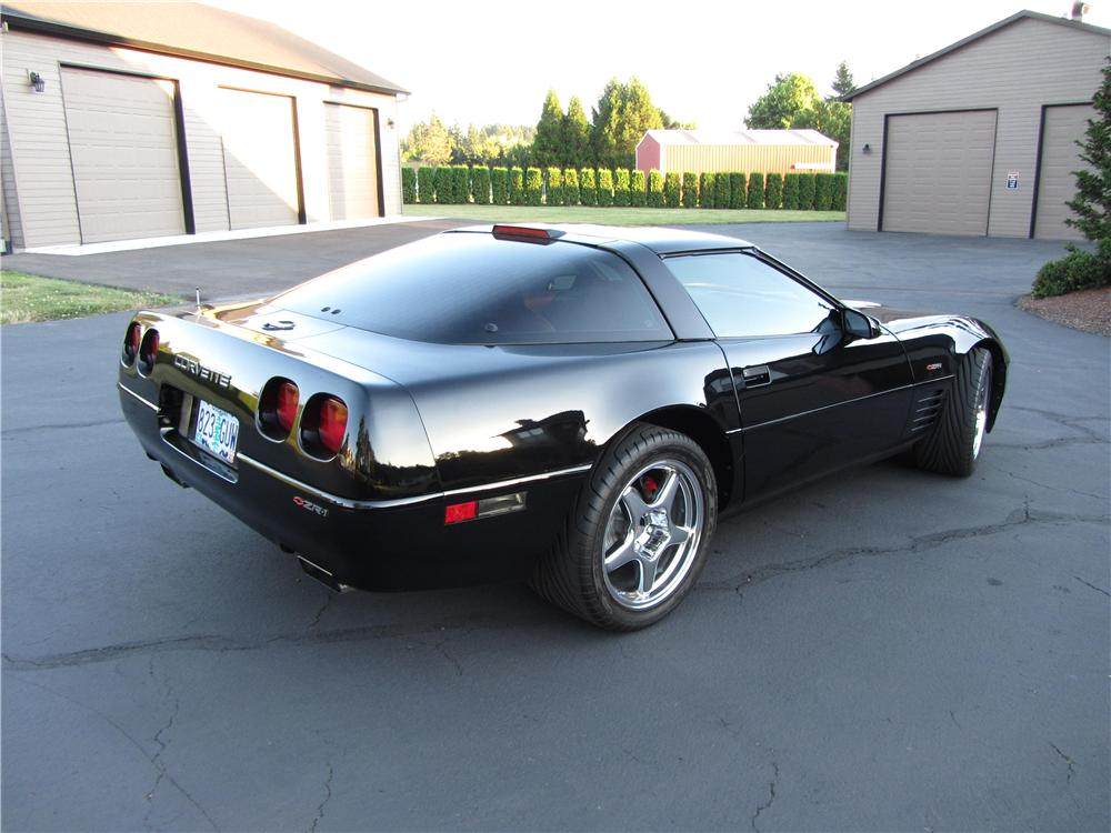 1994 CHEVROLET CORVETTE ZR1 2 DOOR COUPE - Rear 3/4 - 177327