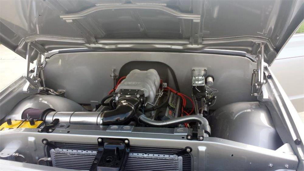 1967 CHEVROLET C-10 CUSTOM PICKUP - Engine - 177345