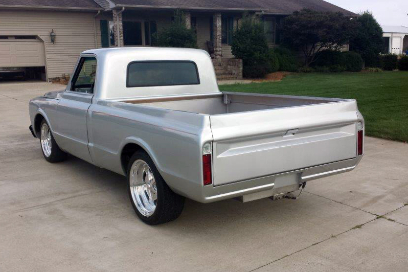 1967 CHEVROLET C-10 CUSTOM PICKUP - Rear 3/4 - 177345