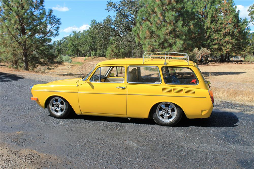 1971 VOLKSWAGEN SQUAREBACK CUSTOM STATION WAGON - Side Profile - 177371