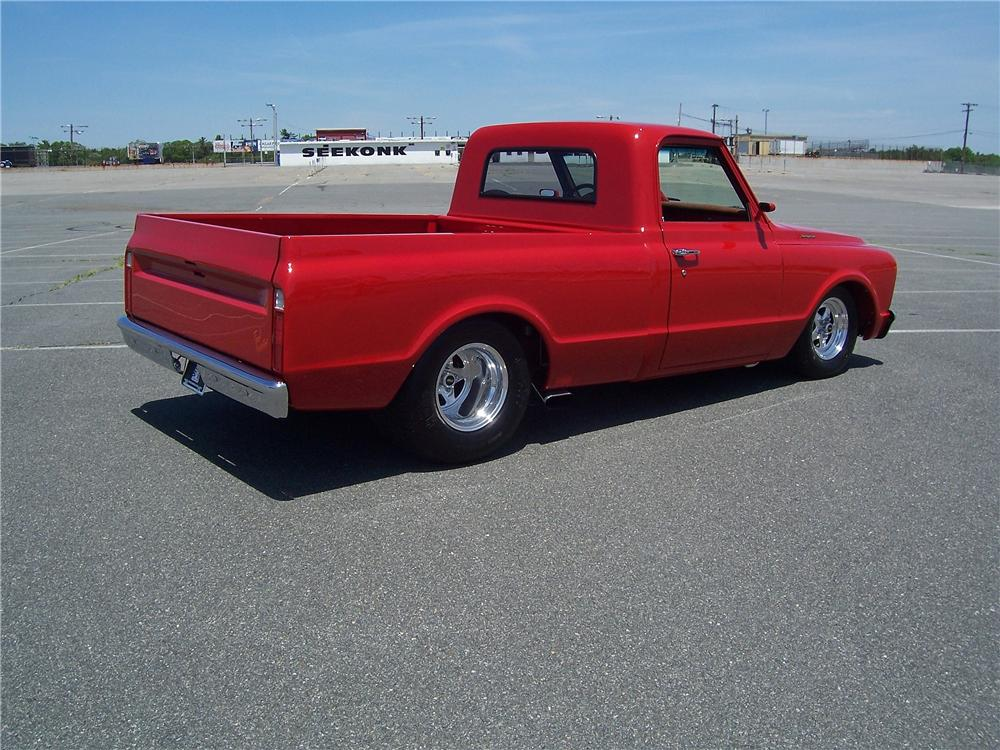 1967 CHEVROLET C-10 CUSTOM PICKUP - Rear 3/4 - 177394
