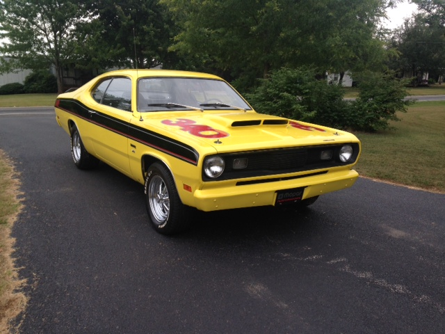 1970 PLYMOUTH DUSTER CUSTOM 2 DOOR COUPE - Front 3/4 - 177467