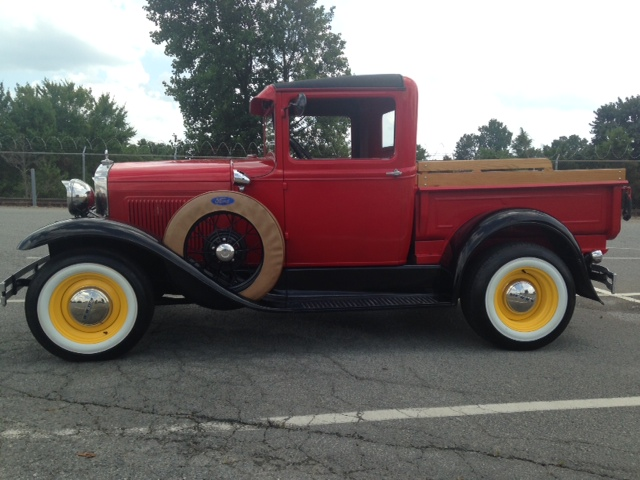 1930 FORD MODEL A PICKUP - Front 3/4 - 177471