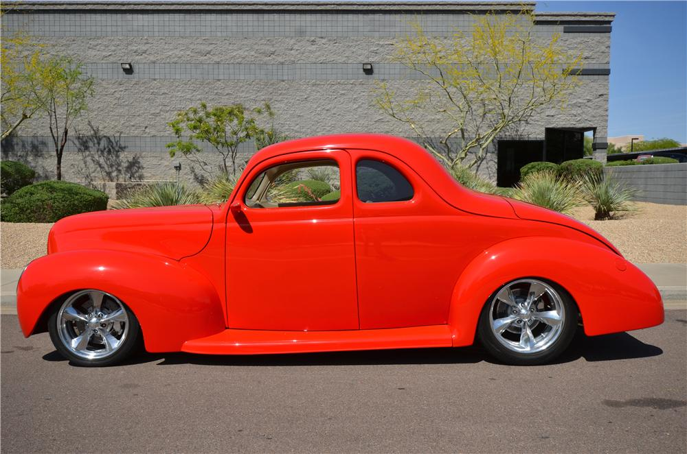 1939 FORD CUSTOM 2 DOOR COUPE - Side Profile - 177478