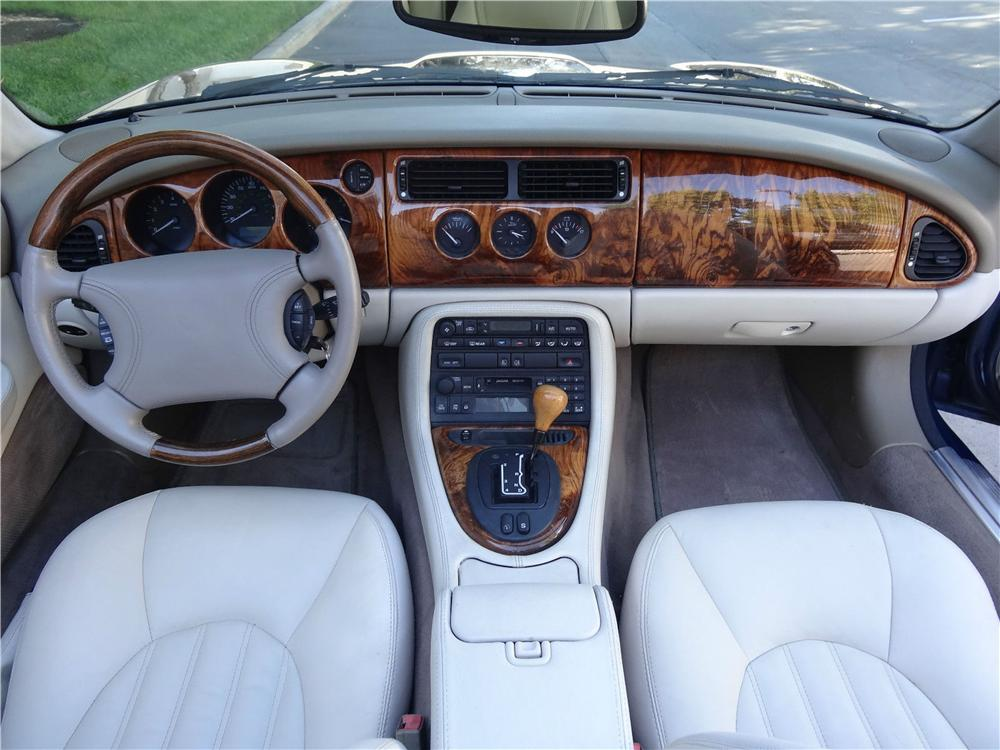 1999 JAGUAR XK8 CONVERTIBLE - Interior - 177490