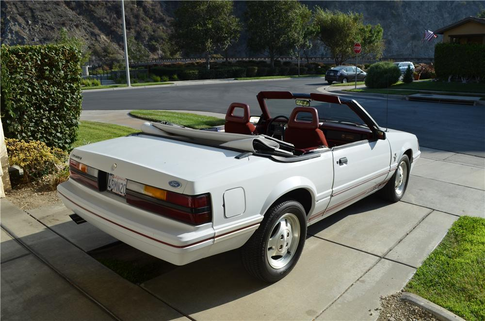 1984 FORD MUSTANG GT 350 CONVERTIBLE - Rear 3/4 - 177513