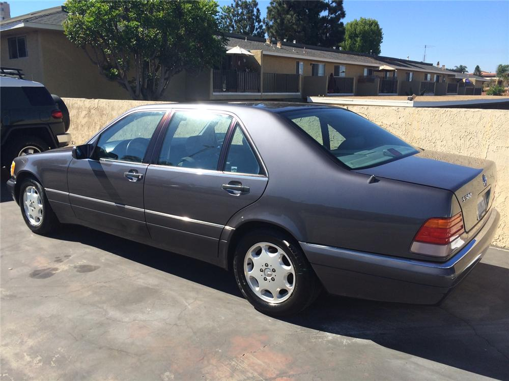 1996 MERCEDES-BENZ S500 4 DOOR SEDAN - Rear 3/4 - 177516