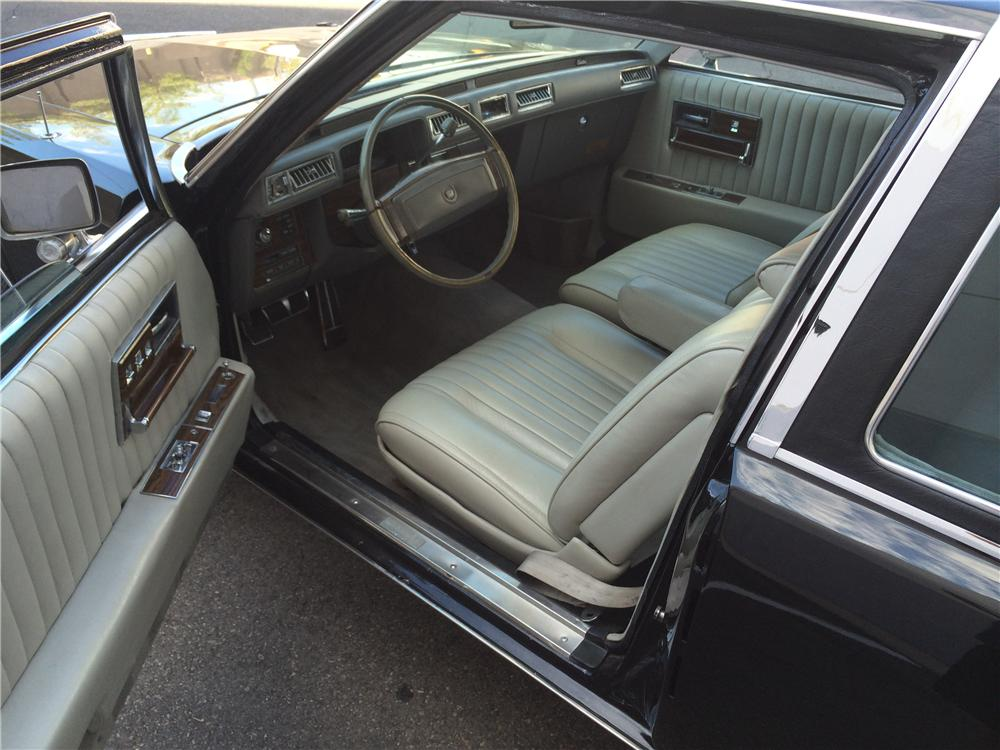 1977 CADILLAC SEVILLE CUSTOM 2 DOOR COUPE - 177674