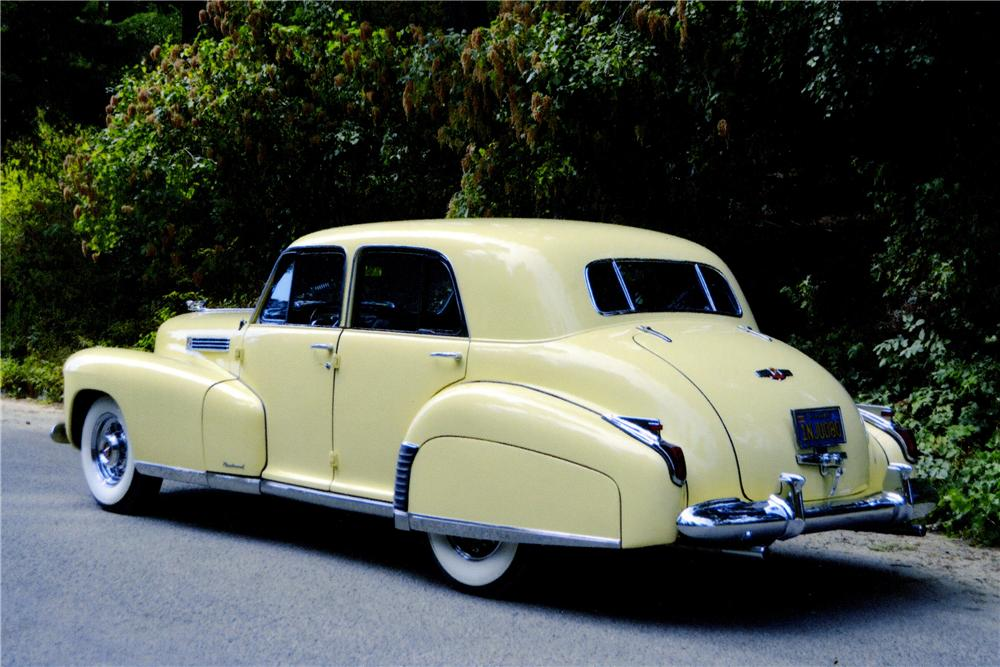 1941 CADILLAC FLEETWOOD 4 DOOR SEDAN - Rear 3/4 - 177692