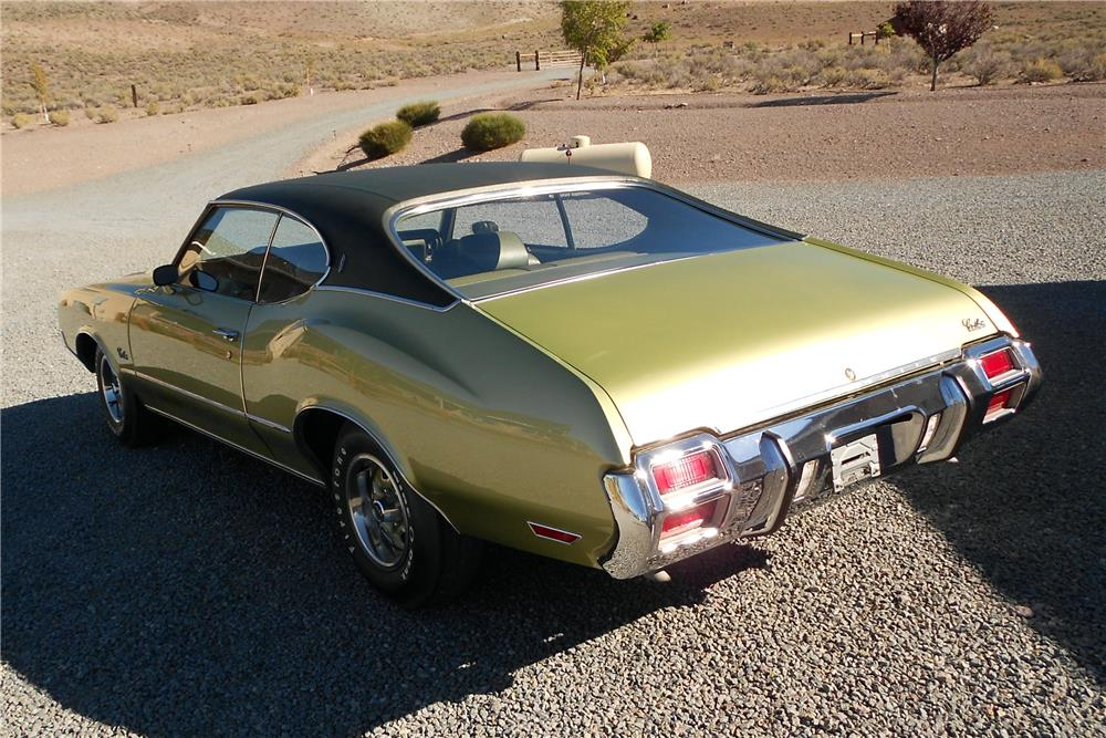 1971 OLDSMOBILE CUTLASS S - Rear 3/4 - 178458